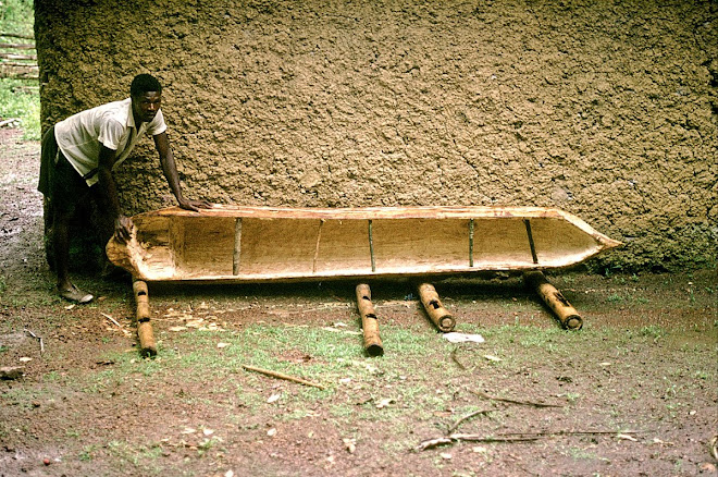 Patrick Garlough - at Vaama (Nongowa) - dugout canoe being made