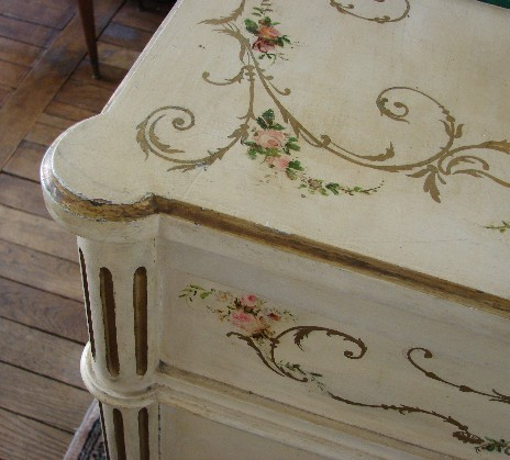 A Love Dedication To Pretty Handpainted Furniture.