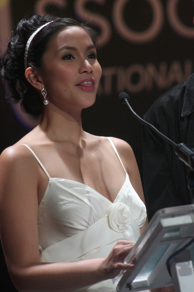 more photos of this pinay celebrity