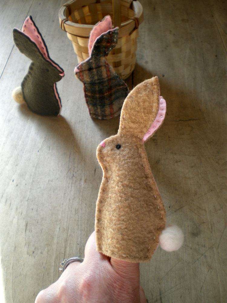 Lil fish studios bunny finger puppets for Bee finger puppet template