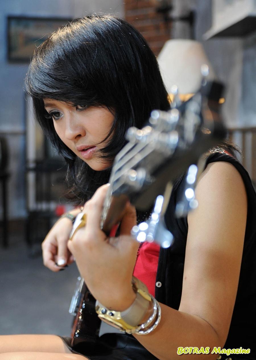 Chua Basis Kotak Band, Artis Indonesia, Cewek Cantik, Cewek Manis, Hot.jpg