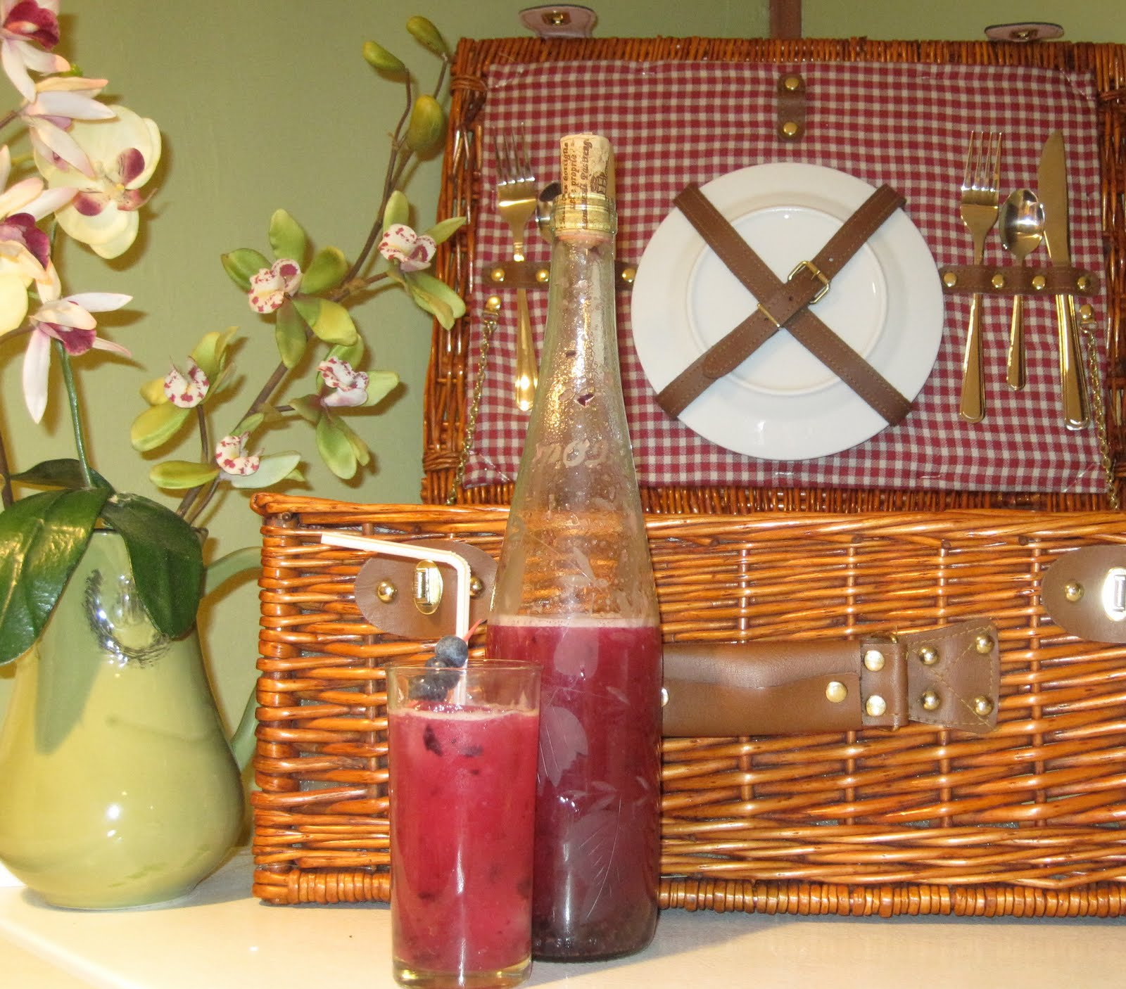 ... The Thin Lady Sings: Stevia Sweetened Blueberry Lavender Lemonade
