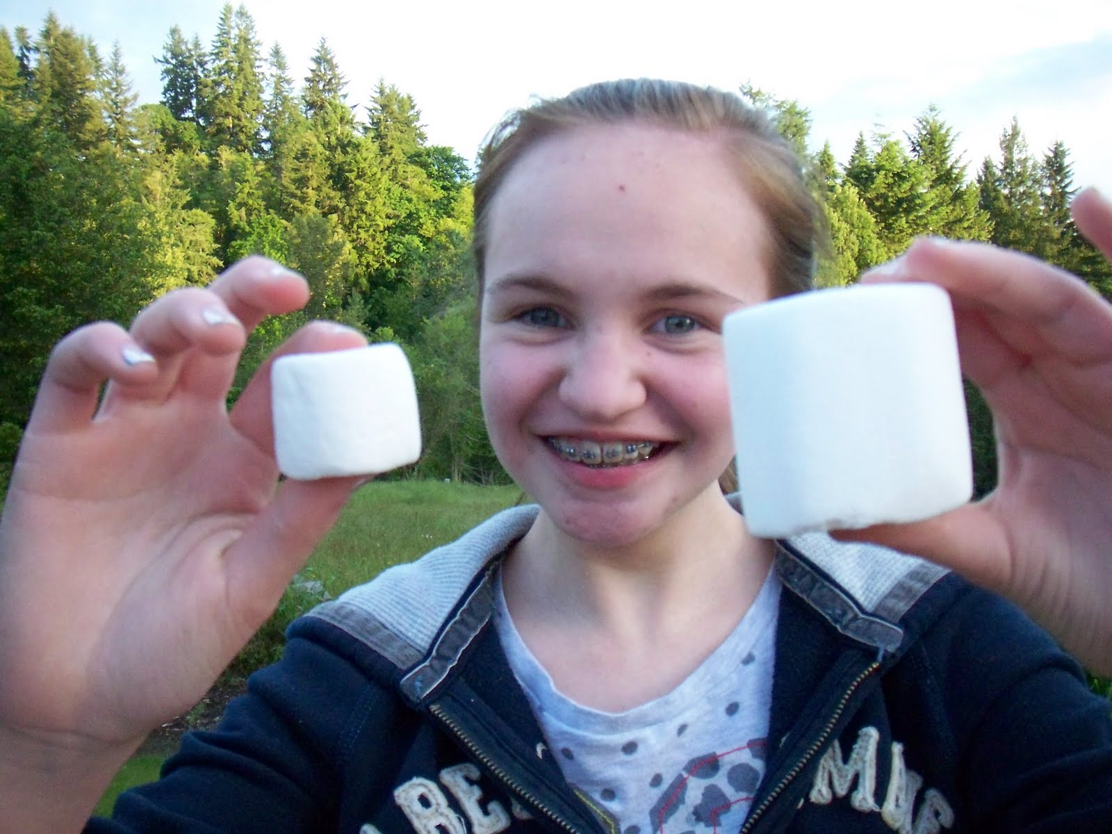 regular marshmallow vs giant marshmallow}