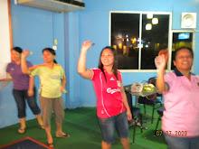 Gambar kenangan sekitar sesi latihan dart Pasukan MSKPPM Keningau di KDC.
