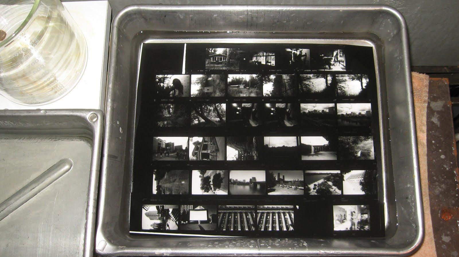 http://4.bp.blogspot.com/_lnbYoAP--7k/TEyPn0pqn4I/AAAAAAAAD8Y/ZJKZGR-8aKA/s1600/hc110+film+development+009.jpg