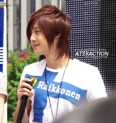 صور المغني/الممثل الكوري hyun joong normal_0509-hj4.jpg