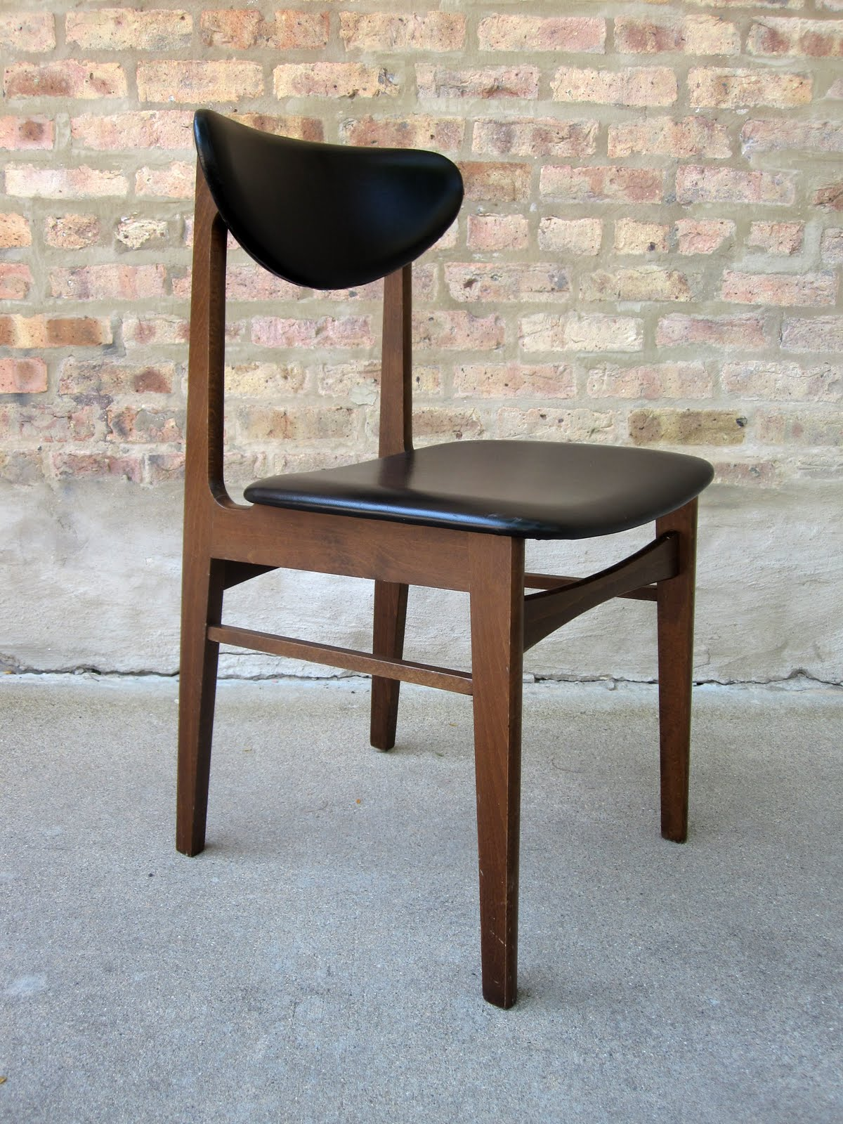 U0027danish Modernu0027 Walnut / Vinyl Side Chair