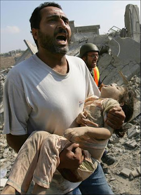 [Image: child_injured_in_israeli_attack_on_the_g...e_2007.jpg]