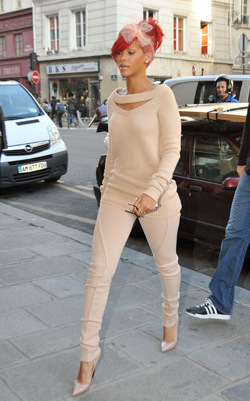 Rihanna nude pics retro photo 45