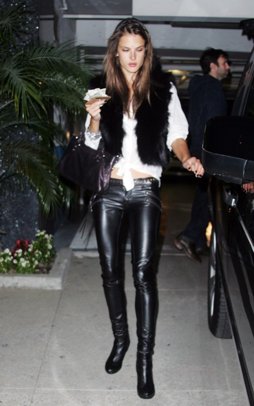 in leather girls Sexy pants tight