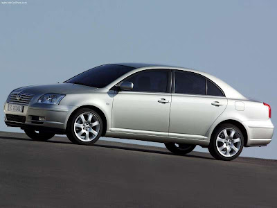 Toyota Avensis Sedan 2003 800x600 Wallpaper 01