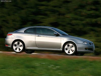 http://4.bp.blogspot.com/_lsyt_wQ2awY/SLUOWPvoYAI/AAAAAAAAYdc/mWNfHwRsTYc/s400/Alfa_Romeo-GT_Q2_2007_800x600_wallpaper_06.jpg