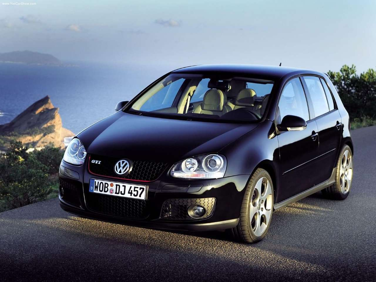 2004 volkswagen golf gti 5door volkswagen autos spain. Black Bedroom Furniture Sets. Home Design Ideas