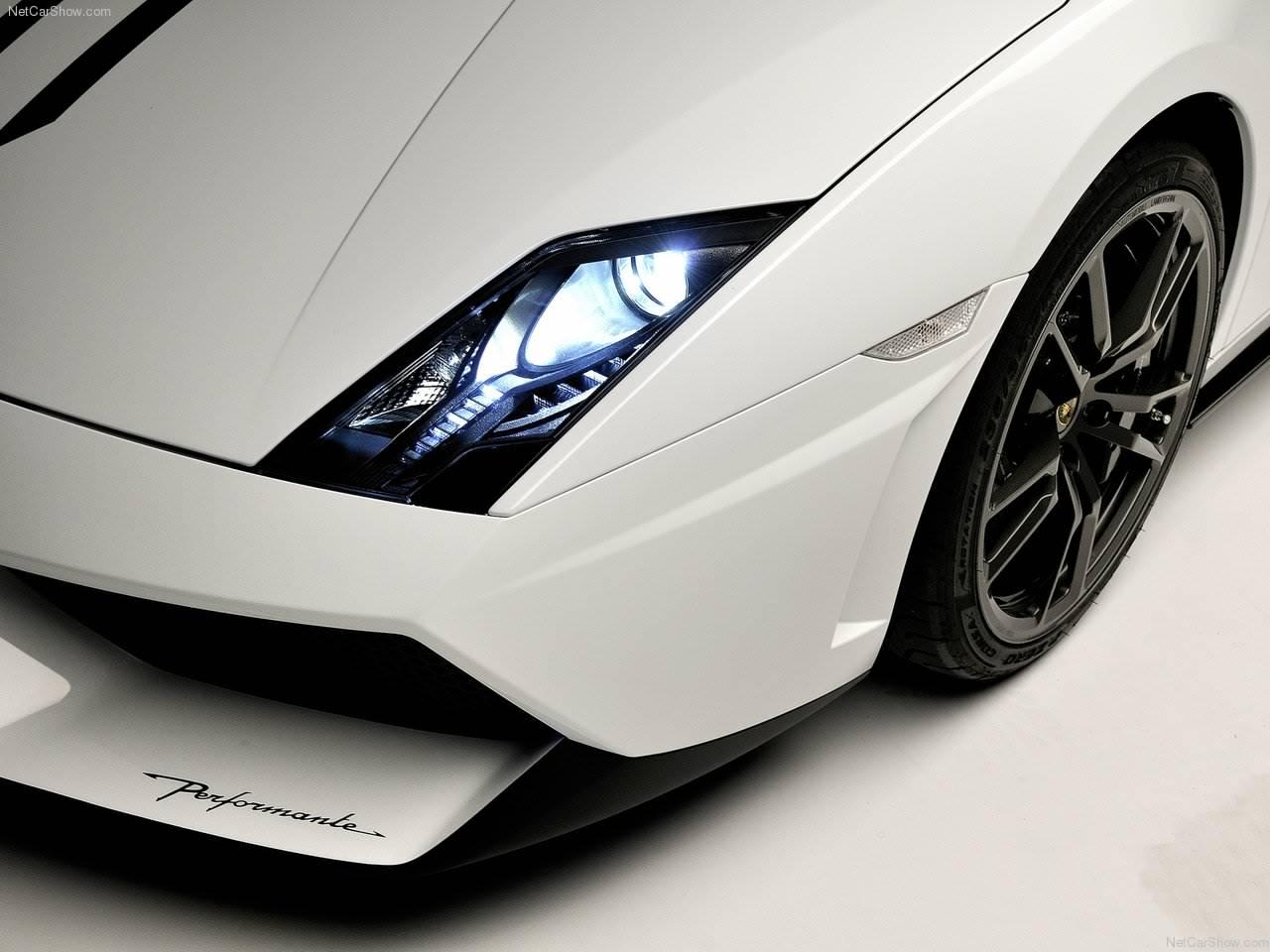 http://4.bp.blogspot.com/_lsyt_wQ2awY/TPK7W36MbpI/AAAAAAACHpg/QiumGjcy3-Q/s1600/Lamborghini-Gallardo_LP570-4_Spyder_Performante_2011_1280x960_wallpaper_08.jpg