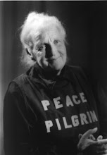 SHE KEPT HER NAME SECRET AND WALKED 25000 MILES FOR PEACE ACROSS AMERICA.