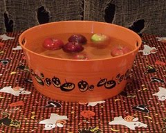 halloween-bobbing-apples