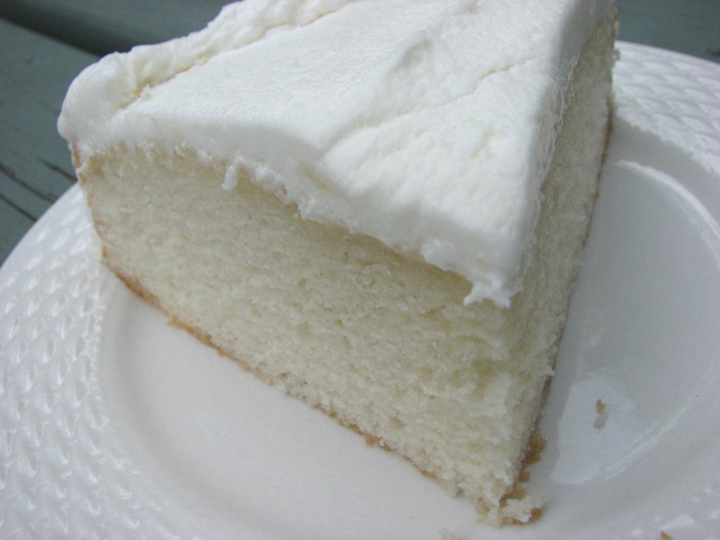 heidi bakes my now favorite white cake recipe. Black Bedroom Furniture Sets. Home Design Ideas