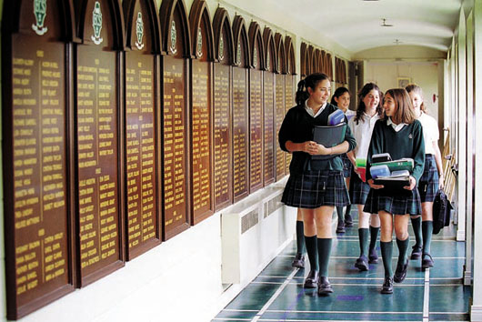single sex schooling With a growing number of single-sex schools in australia converting to co-ed, samantha selinger-morris looks at how attending gender segregated schools impacts students' emotional wellbeing.