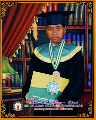 Adil Wisuda di SD Islamic Village (2008)