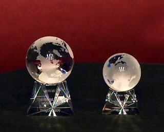 призы для победителя и финалиста мировой серии по снукеру в Чехии оказались очень даже симпатичными