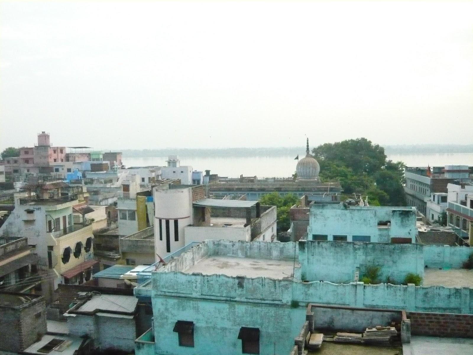 http://4.bp.blogspot.com/_lxoZLaG_PLM/TQWlNBSRXcI/AAAAAAAAAJ0/Un91XWSAZYo/s1600/VaranasiRooftop.jpg