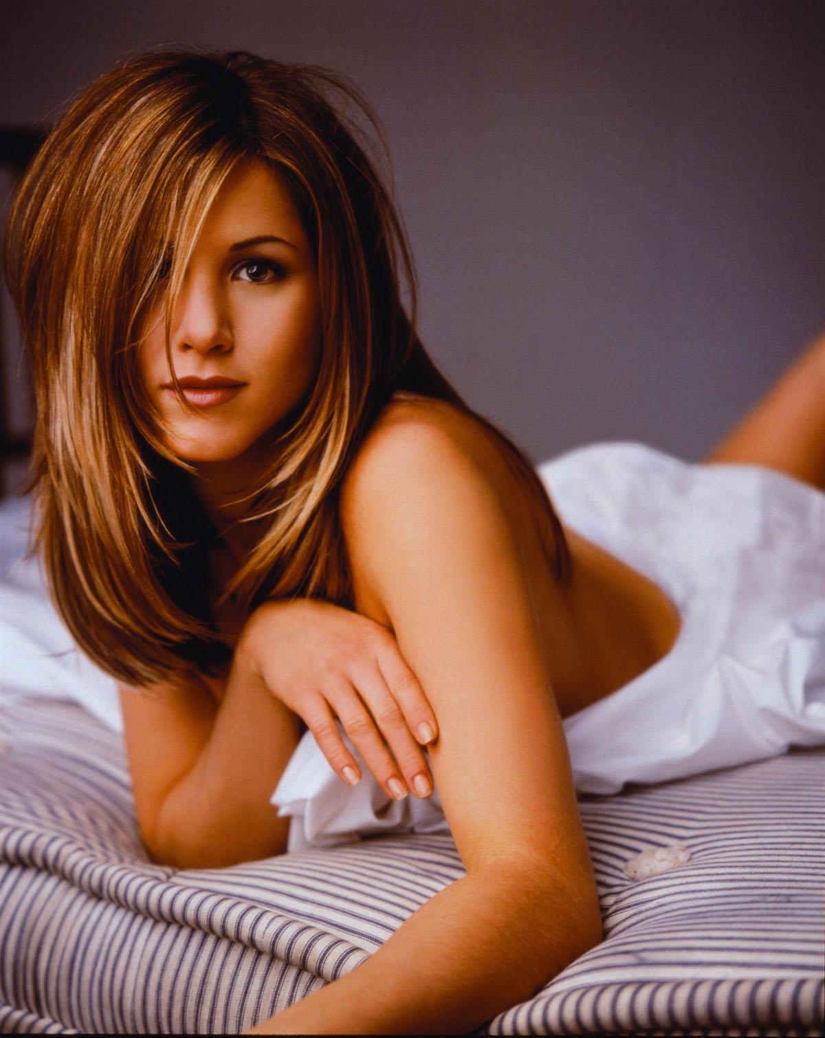 http://4.bp.blogspot.com/_ly7xhwPkm04/R2CE4uFn02I/AAAAAAAAAQ4/CQot38UIuNU/s1600/Jennifer_Aniston11.jpg