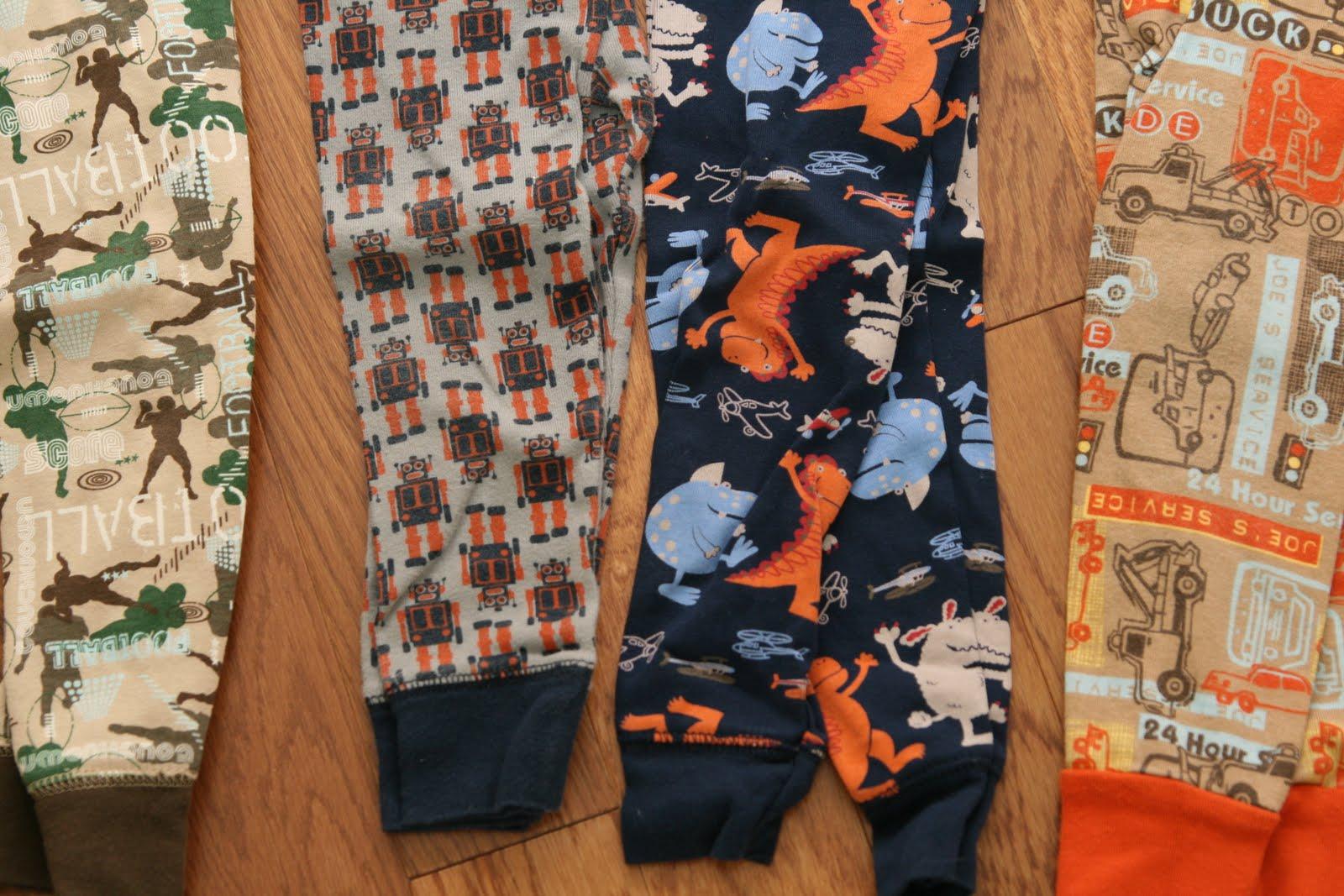 Brady\'s Closet: Lot #50 - Old Navy Pajamas (2T)