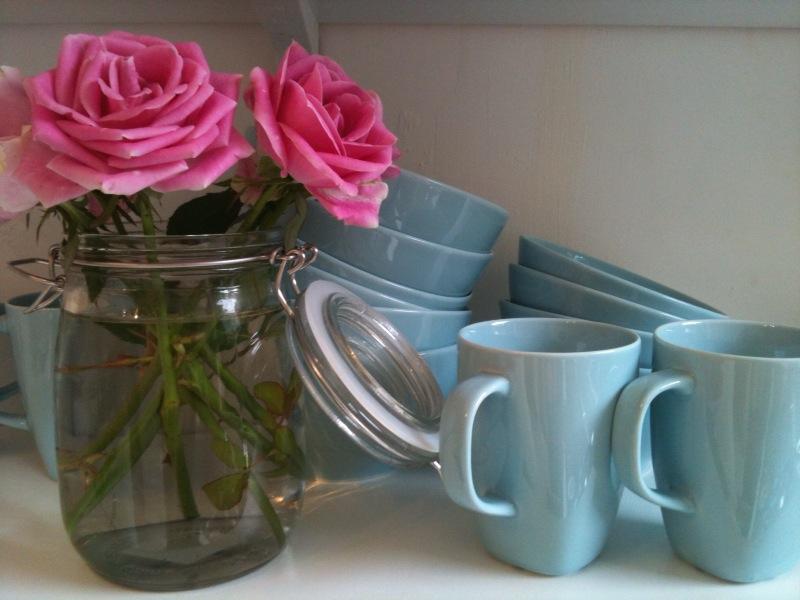 [Ikea+mugs+and+plates.jpg]