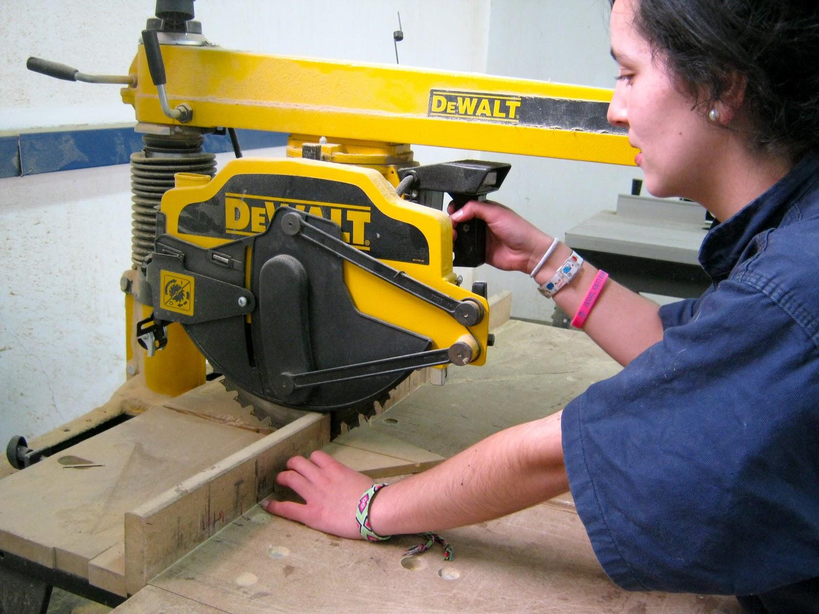 Procesos de uni n y corte proyecto 2 sillas en metal - Sierras electricas para madera ...