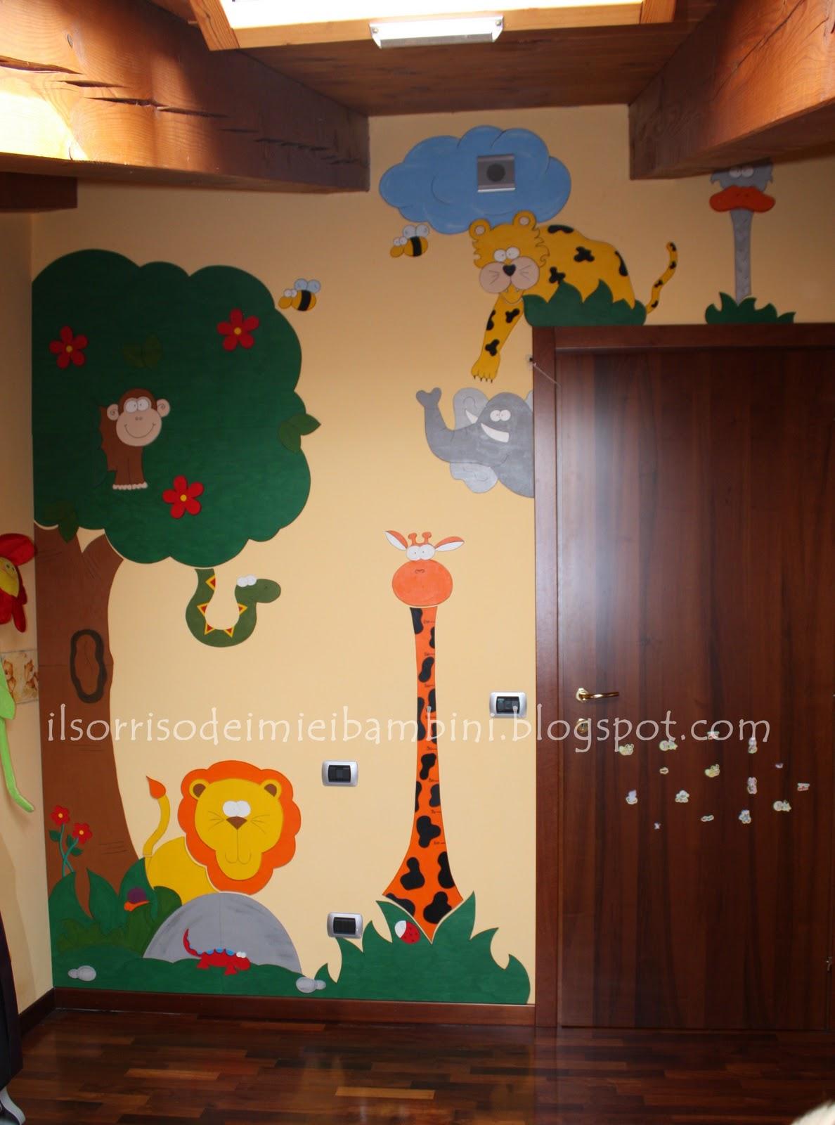 Il Sorriso dei miei Bambini: Decorare la cameretta con il legno