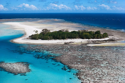 The Great Barrier Reef history facts location tourism