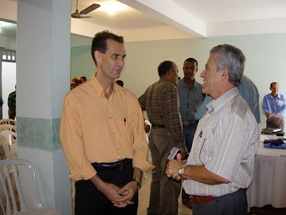 1º Tesoureiro Aguinaldo P. Jardim e Pr. Alair Carvalho de Souza, Presidente da Igrej Nova Jerusalem