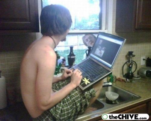 [funny-laptop-portable-pics-15.jpg]