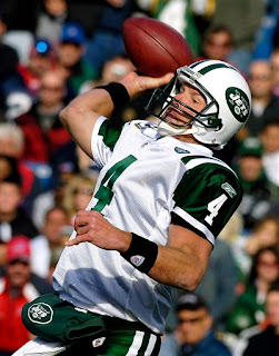 Jets coaches put the shackles on Brett Favre