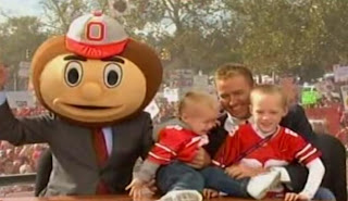Chase Herbstreit cries when he sees Lee Corso wearing Brutus the Buckeye's head