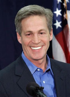 norm coleman aka Chompers has the most ridiclous capped teeth I've ever seen