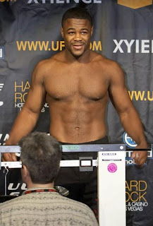 Rashad Evans wins with ease