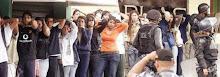 Estudiantes detenidos por esbirros de la dictadura