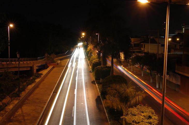 Vista nocturna del Malecón Niños Hèroes de la Ciudad de Culiacàn Rosales