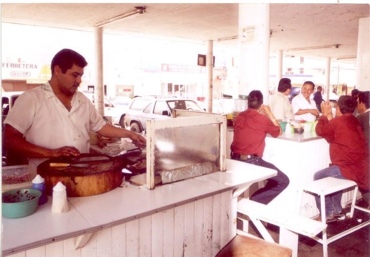 """Sabrosos tacos que se pueden comer en el """"Mercado Rafael Buelna"""""""