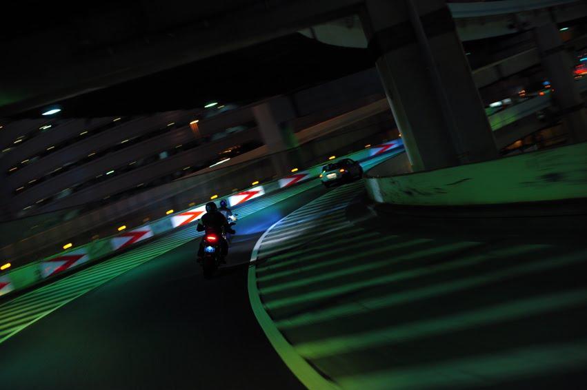 [深夜のハイパー3台821+++DSC_0216.jpg]