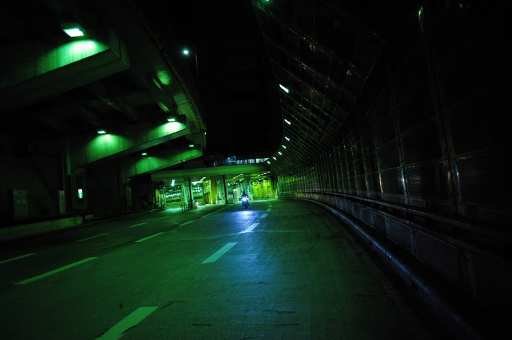 [大桟橋界隈ハイパーモタード2台DSC_0466.jpg]