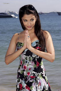 Aishwarya Rai Latest Romance Hairstyles, Long Hairstyle 2013, Hairstyle 2013, New Long Hairstyle 2013, Celebrity Long Romance Hairstyles 2436