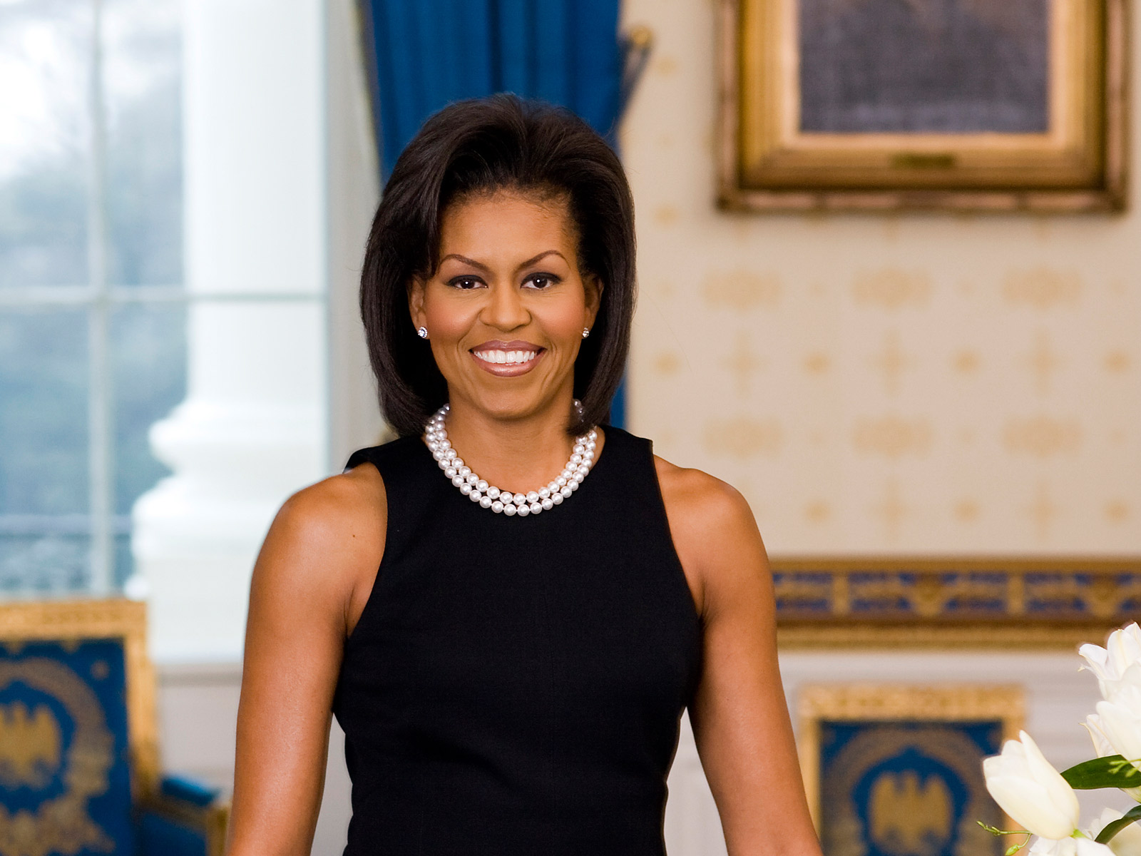 http://4.bp.blogspot.com/_m8fm6tkNThc/TH4ClHEzpBI/AAAAAAAAAjA/dgBRzHKPkA8/s1600/Michelle_Obama,_First_Lady.jpg
