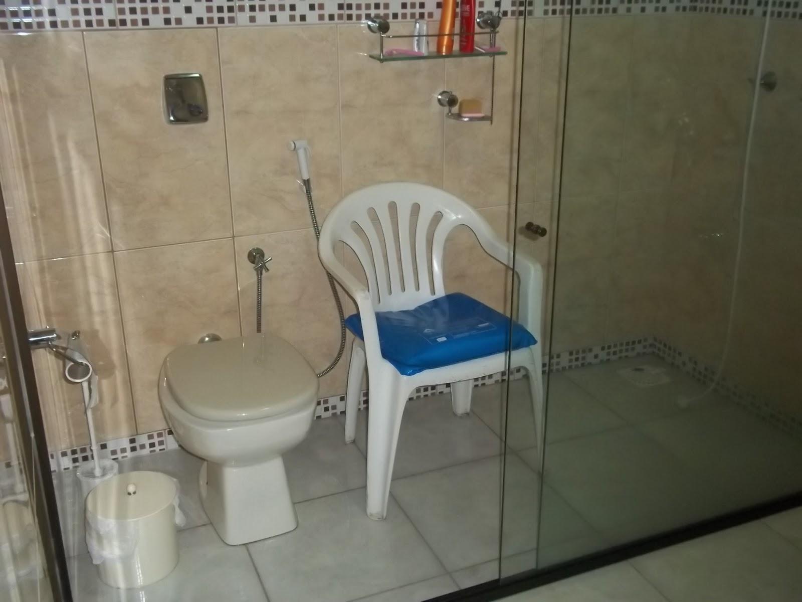 Koisas Com Ká: Casa adaptada #15436B 1600x1200 Banheiro Acessivel Com Box