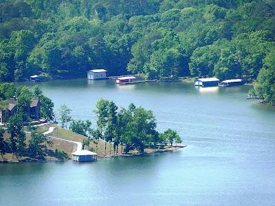 Recollections of a vagabonde returning home through alabama for Lake guntersville fishing hot spots