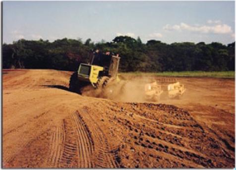 Piscicultor constru o de viveiros escavados para for Elaboracion de estanques para piscicultura