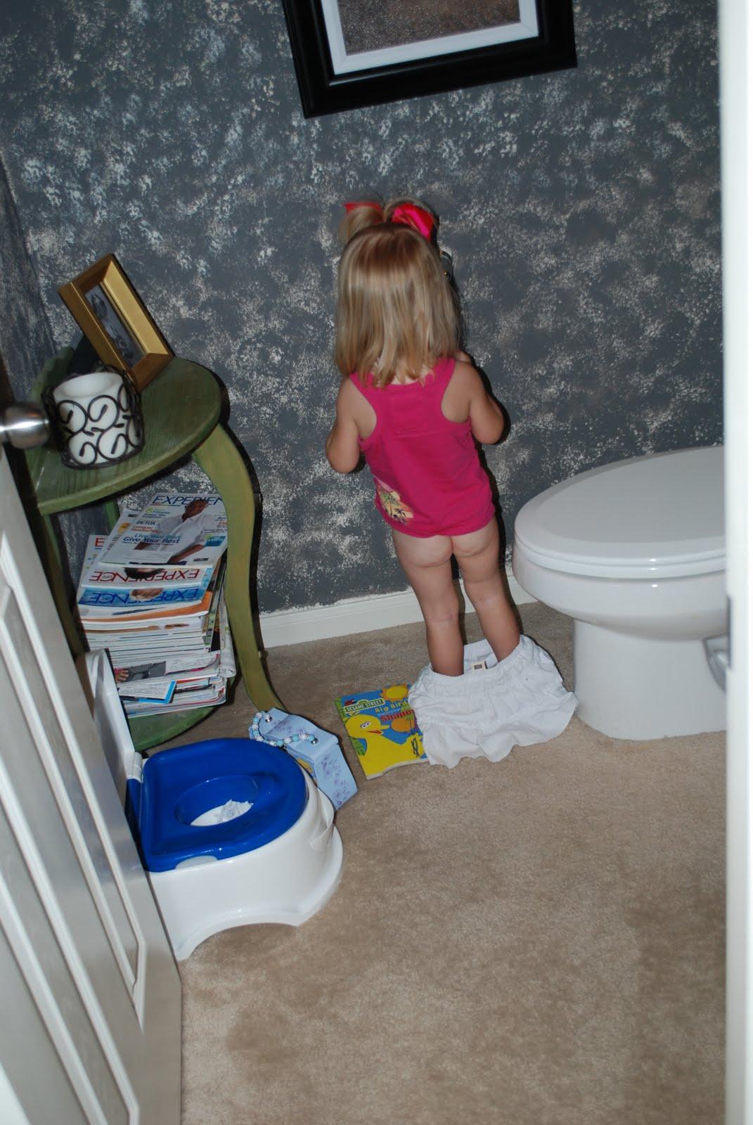 Little Girl Sitting On Potty - newhairstylesformen2014.com