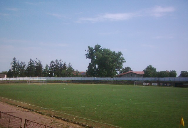 Terenul de fotbal Unirea