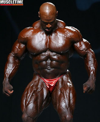 [Obrazek: Ronnie+Coleman+at+the+2007+Mr.+Olympia+P...ing++..jpg]